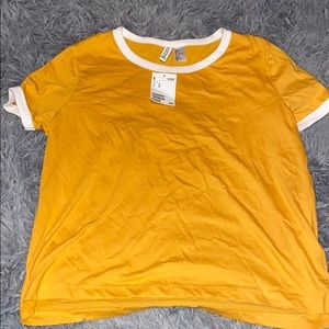 NWT H&M mustard yellow basic tee